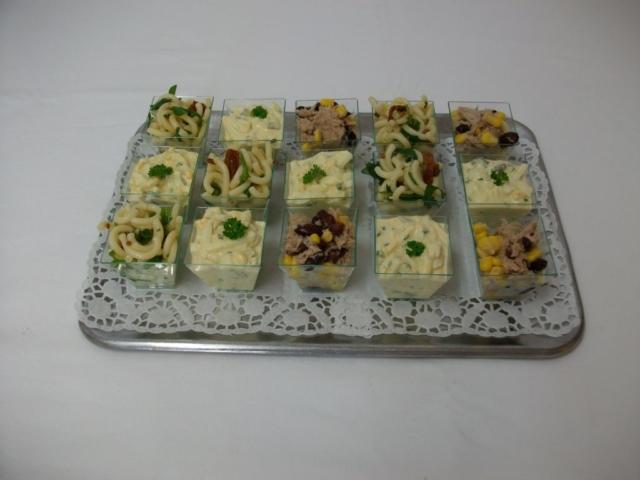Finger Food, Partysalate (auch in Schüsseln)