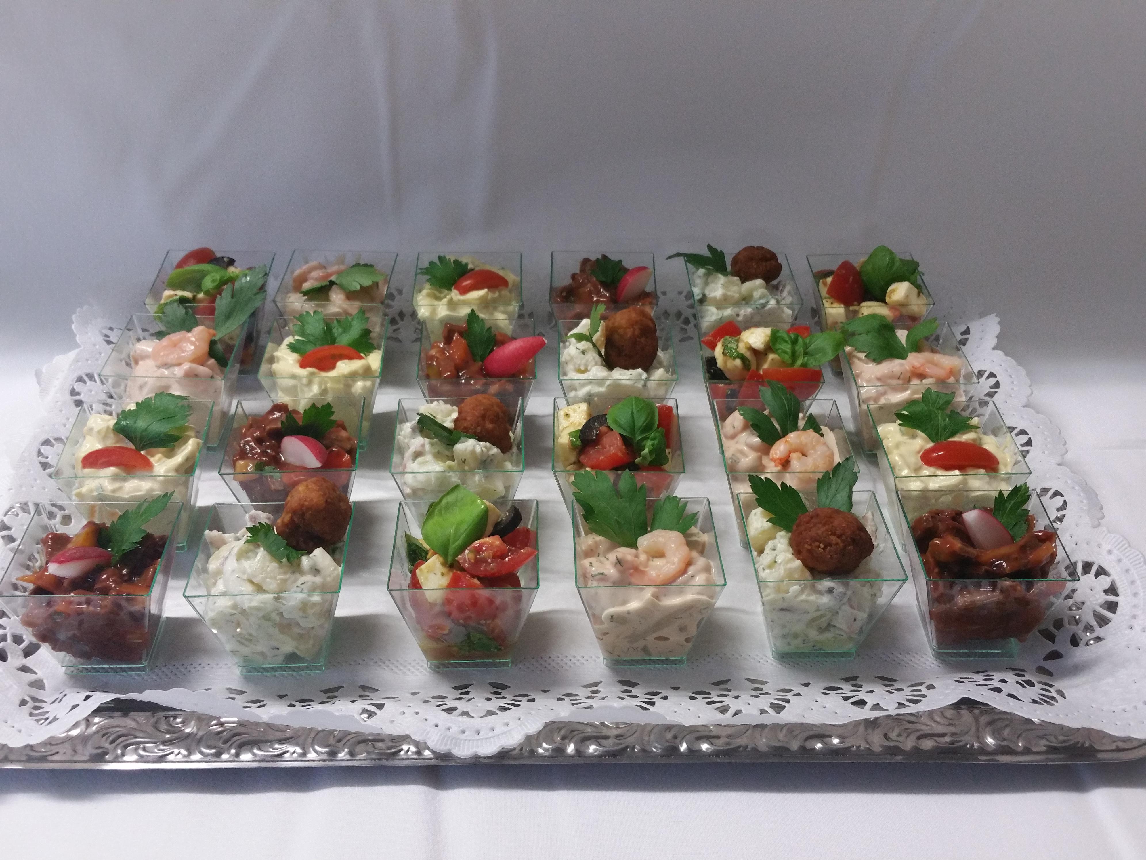 Fingerfood Partysalate (auch in großen Schüsseln)