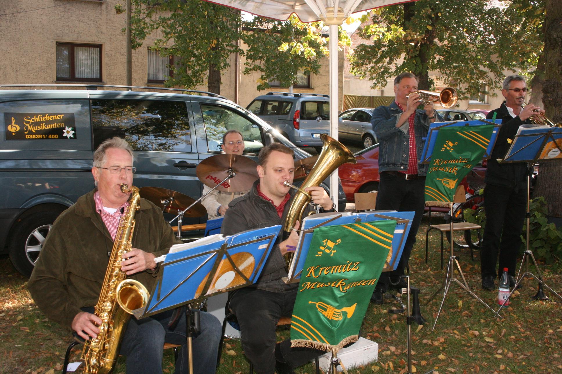 Livemusik und Tombola, sehr beliebt