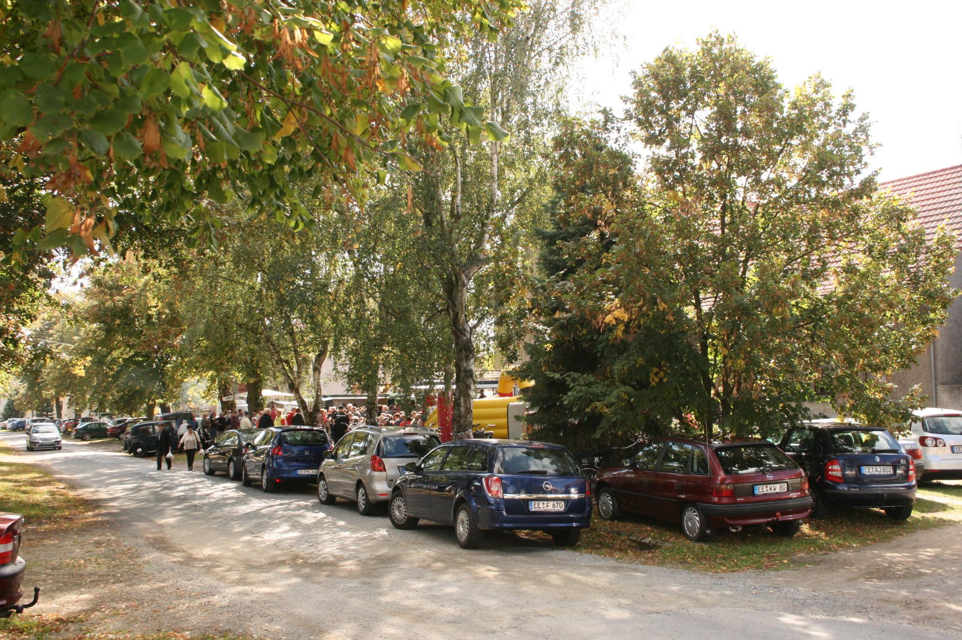 Parkplätze und Kinderbelustigung
